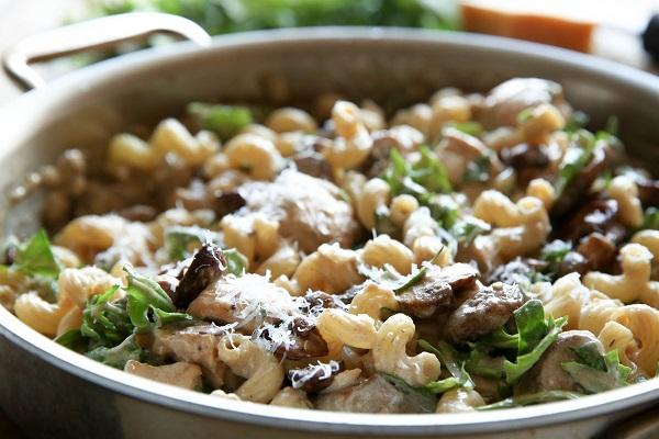 سلطة الباستا بالفطر من المطبخ الايطالي