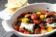طريقة خبز جبن الفيتا مع الطماطم والزيتون