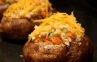 طريقة عمل البطاطا المحشية بالخضار وصلصة البشاميل