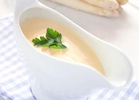 طريقة عمل الصلصة البيضاء بنكهة الكرافس