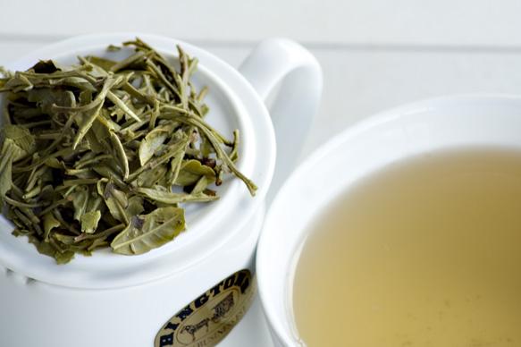 فوائد الشاي الأبيض للتنحيف و المرضع و البشرة