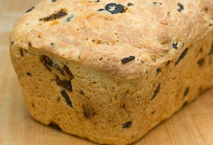 طريقة عمل خبز الزيتون الشهي