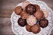 طريقة عمل كرات الشوكولاتة بالبسكويت الفاخرة