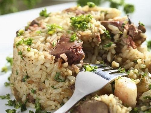 ارز بالكبدة والخضروات