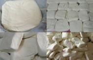 بالفيديو : مراحل صناعة الجبنة الاوروبية الفاخرة
