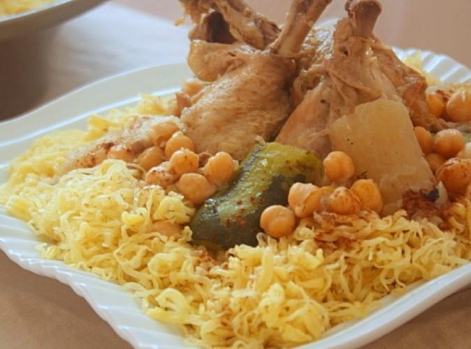 الرشتة الجزائرية تطبخ مثل الكسكسي