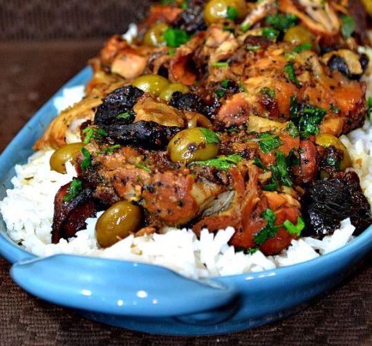 طريقة عمل دجاج بالزيتون والرز