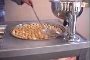 بالفيديو : ماكينة لصناعة الداطلي