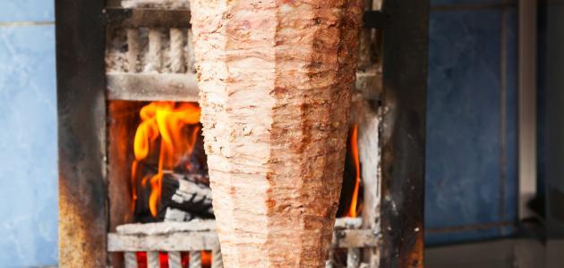 طريقة تشكيل سيخ الشاورما في المنزل