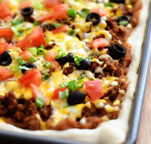 طريقة عمل بيتزا اللحمة