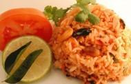 طريقة عمل ارز بالبندورة الشهي