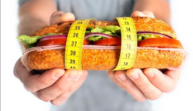 5 نصائح للتخسيس عند تناول اكل المطاعم