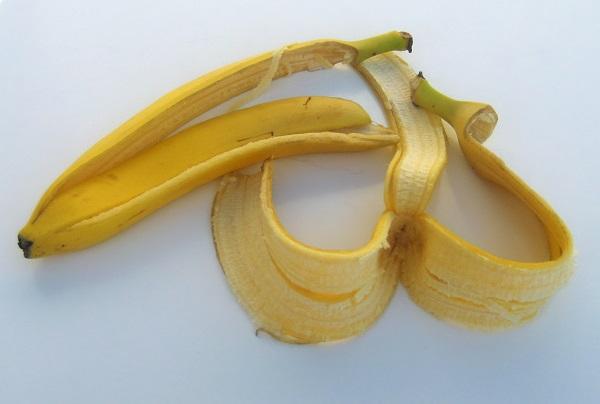 قشر الموز للبشرة