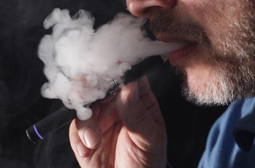 اضرار السيجارة الالكترونية