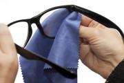 طريقة تنظيف عدسات النظارة