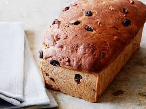 الخبز بالزبيب