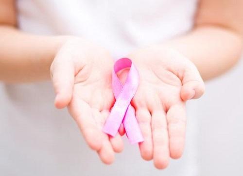 7 اطعمة تقي من سرطان الثدي