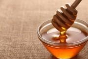اهم استخدامات العسل وفوائده غير الأكل
