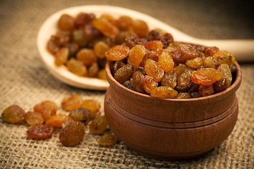 5 فوائد الزبيب أو العنب المجفف للجسم