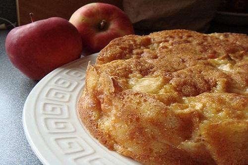 كيكة التفاح الرومانية