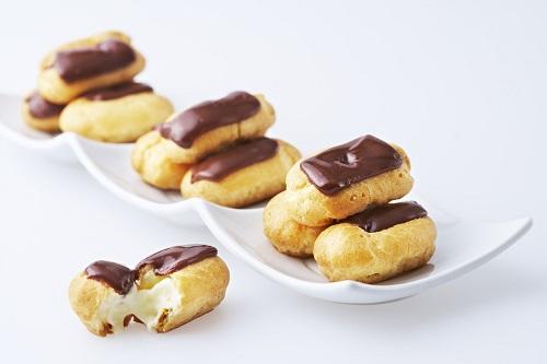الاكلير الفرنسي بالشوكولاتة