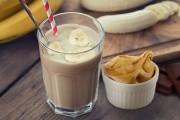 سموثي الموز وزبدة الفول السوداني