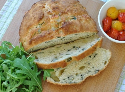 رغيف الخبز بجبنة الموزاريلا