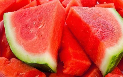 كيف تعرف البطيخة الحمراء