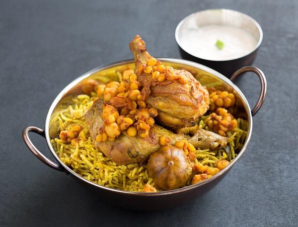 مطعم مجلس الفريج ابوظبي اكل اماراتي اصلي
