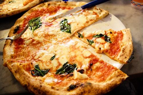 أماكن للبيتزا في نابولي
