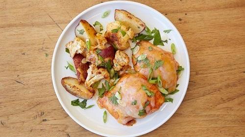 دجاج بالفرن بالبطاطس والقرنبيط