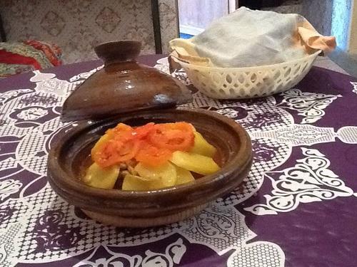 طاجين البطاطا المغربي او التونسي للنباتيين