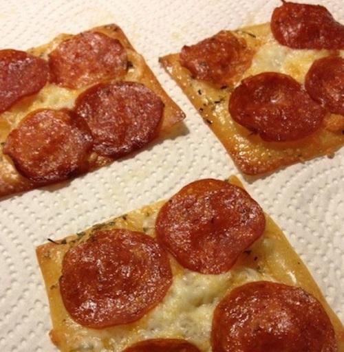 بيتزا بـعجينة وانتون
