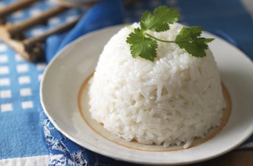 طريقة عمل الرز بحليب جوز الهند