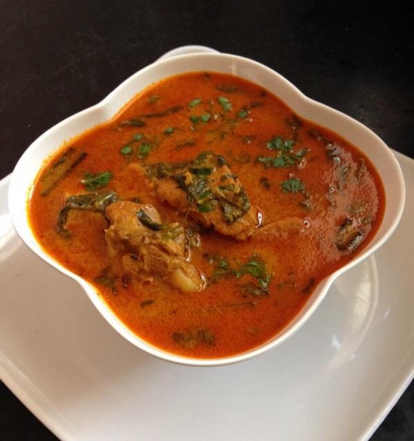 مرق دجاج احمر مع الارز وصفة غداء سهلة