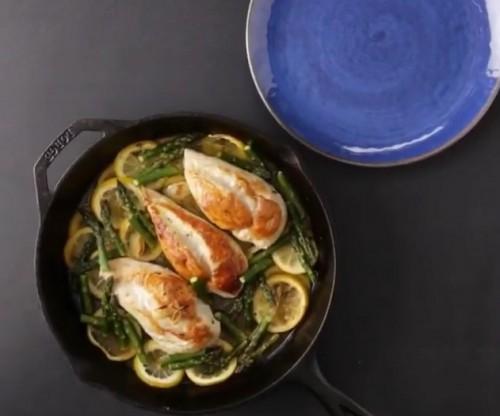 طريقة عمل دجاج مع الهليون لذيذة