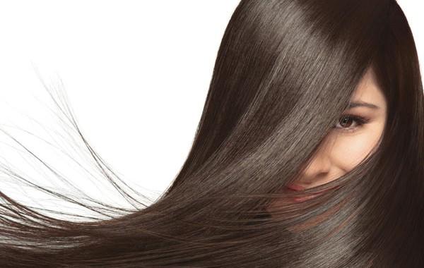 وصفات لتنعيم الشعر كالحرير وتطويله