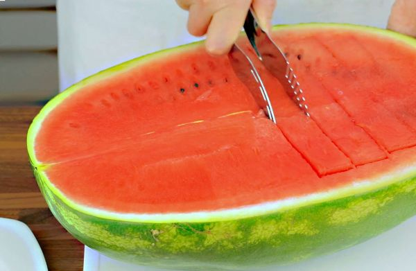 سكين تقطيع البطيخ
