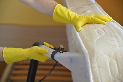 تنظيف الفراش
