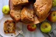 كيك التفاح السهل بالزبيب وصفة كيك سهلة ولذيذة