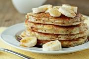 بان كيك الموز بدون طحين باستخدام بديل صحي و لذيذ