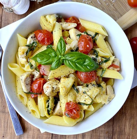 باستا بالدجاج والجبن على الطريقة الايطالية سهلة وسريعة