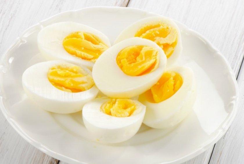 كيفية تقشير البيض المسلوق بسهوله