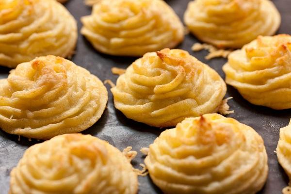 10 وصفات بطاطس سهلة للعشاء