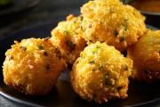 طريقة عمل كرات البطاطس بالجبن المشوية