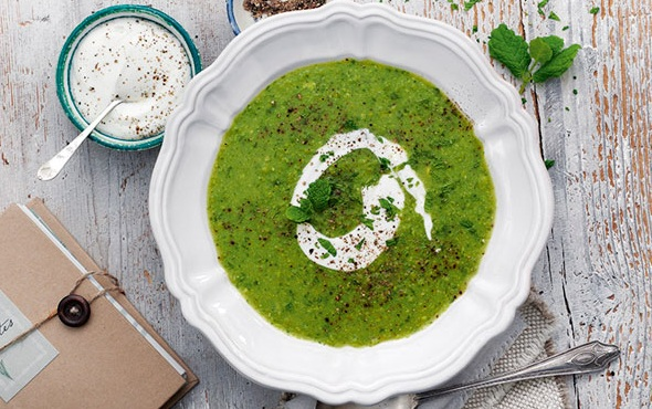 شوربة البازلاء الخضراء