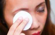 افضل الطرق لـ ازالة مكياج العين بطريقة طبيعية