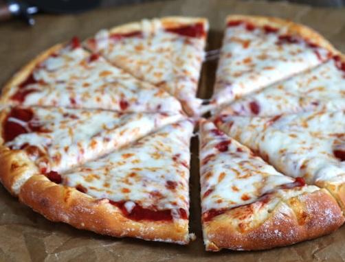 بيتزا بدون خميرة فورية