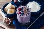 سموثي الموز بالزبادي والشيا الصحي