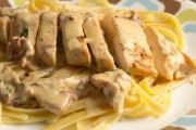 طريقة عمل مكرونة الفريدو بالدجاج